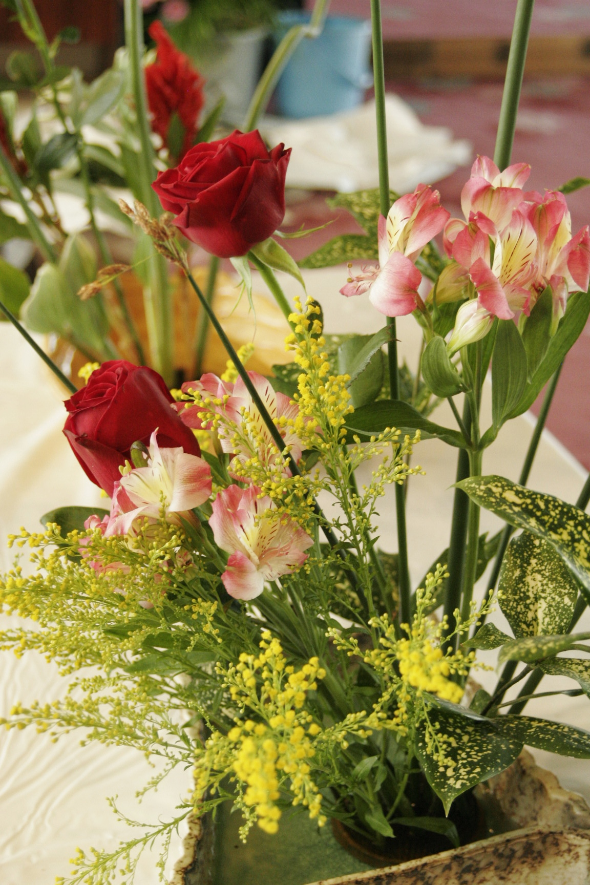Summer Students learn the art of Japanese flower arranging – JCMU ficial Blog