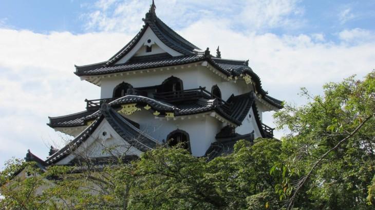 Hikone Castle (Hyek).jpg
