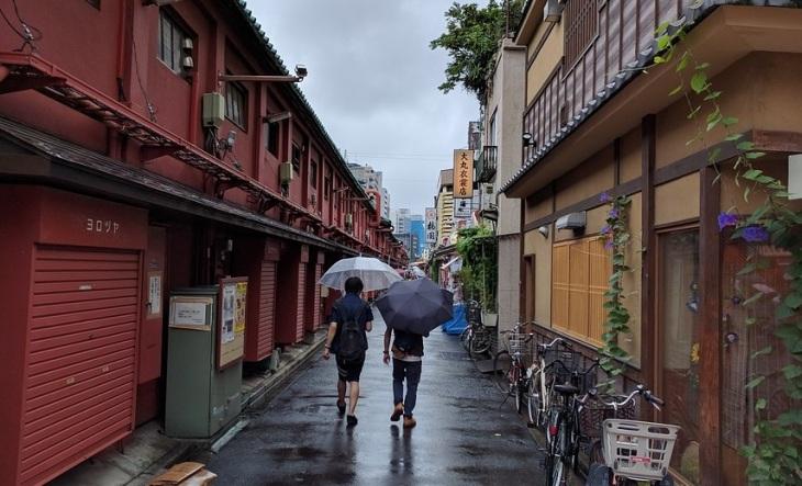 rainy-day-in-japan