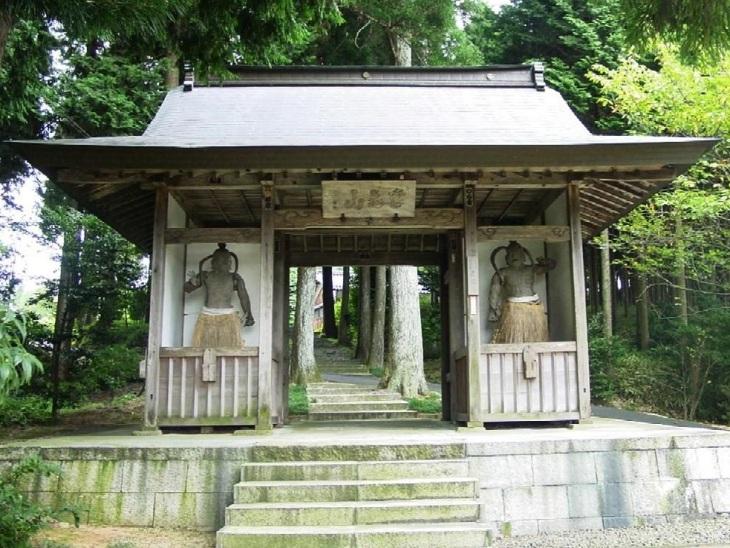 Shofukuji Gate.jpg